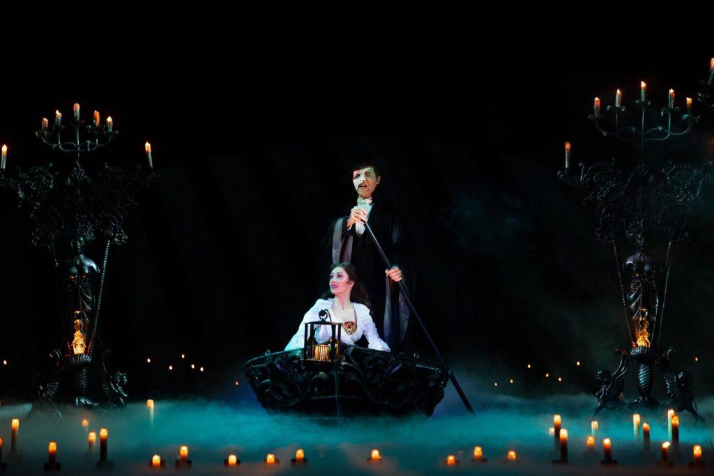 fantasma de la opera, andrew lloyd weber, musicales broadway, donde ver musicales en cuarentena, que hacer en cuarentena, actividades para cuarentena