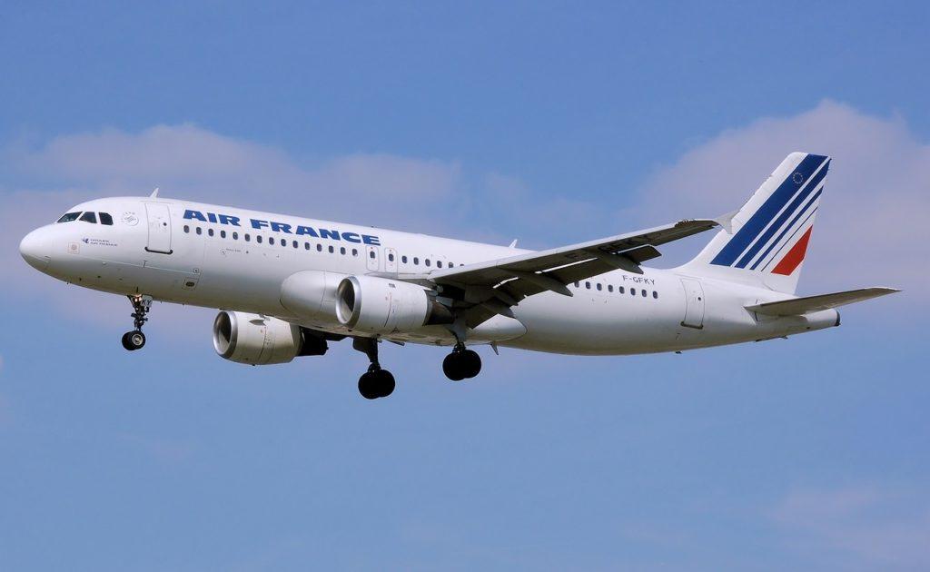 air france, volar con air France durante coronavirus, coronavirus vuelos, vuelos paris ciudad de mexico, air france mexico, air france check in